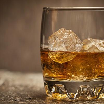 Ποτά σπέσιαλ (Johnie Black-Chivas)